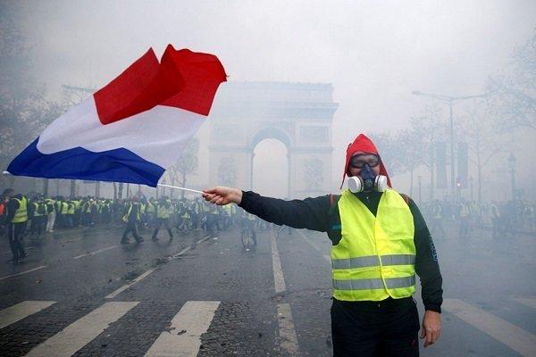 بازداشت دانش آموزان و دانشجویان معترض فرانسوی شروع شد