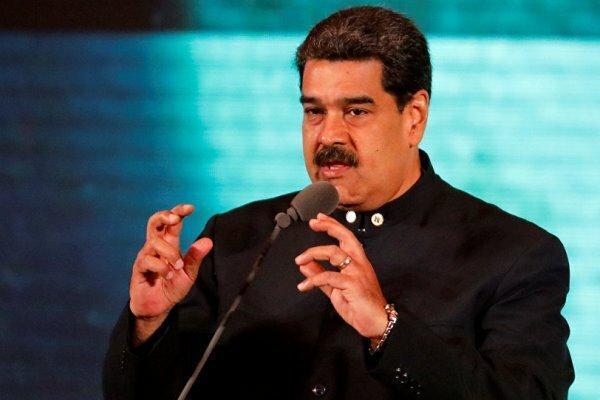 مادورو: فرماندهان نظامی وفاداری کامل خود را اعلام کردند
