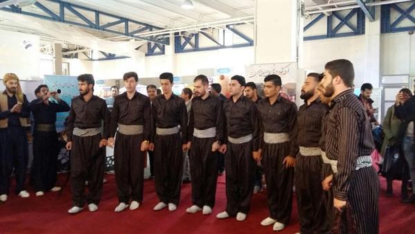 اجرای موسیقی آیینی ایلام در نمایشگاه بین المللی گردشگری مورد توجه بازدیدکنندگان نهاده شد
