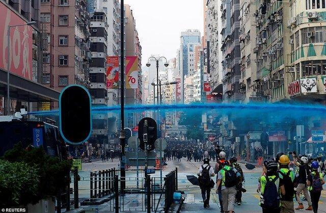 کری لام به ژاپن می رود، حمله پلیس هنگ کنگ با رنگ آبی به یک مسجد در جریان اعتراضات