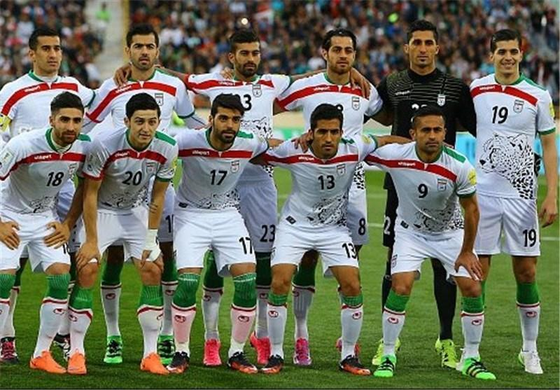 ایران سفید می پوشد، عمان قرمز