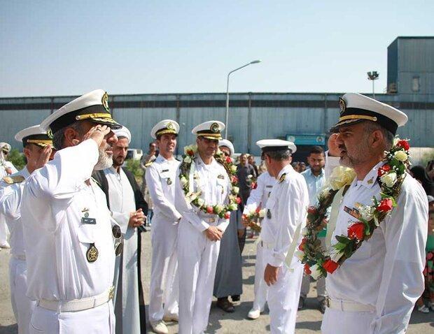 ناوگروه شصت و سوم نیروی دریایی ارتش در بندرعباس پهلو گرفت