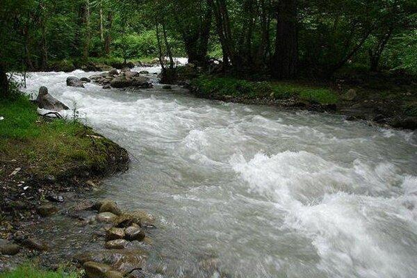طرح انتقال آب رودخانه چالوس به بخش خصوصی واگذار می گردد