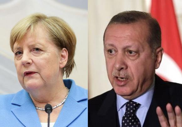 اردوغان و مرکل درباره بحران پناهجویان گفت وگو کردند