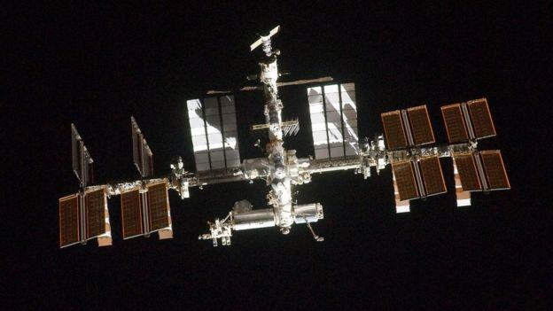 ایستگاه فضایی را چگونه تمیز می نمایند؟