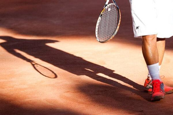 حقوق من کمی بیش از آبدارچی فدراسیون تنیس بود!
