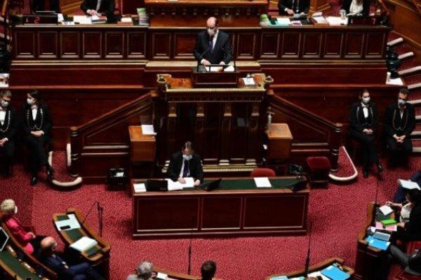 سنای فرانسه با ممنوعیت ادای فرایض مذهبی در دانشگاهها موافقت کرد