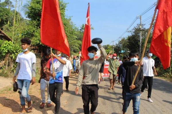 ادامه اعتراضات در میانمار