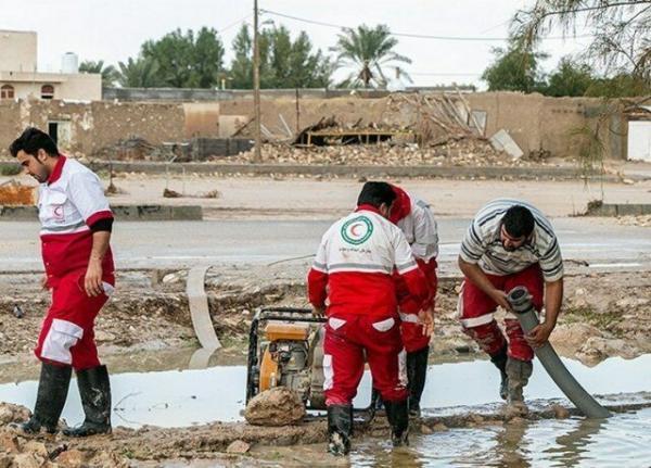 عملیات امداد و نجات در 13 روستای متأثر از سیل آذربایجان غربی