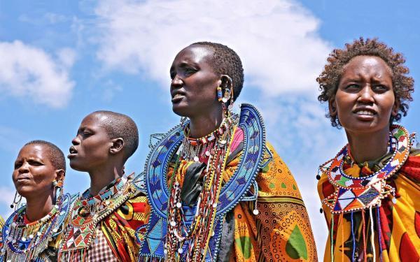 لباس و پوشش های عجیب و غریب در فرهنگ های مختلف، عکس