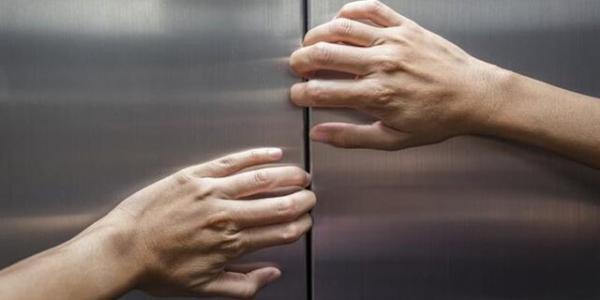 قطعی برق 100 شهروند اصفهانی را در آسانسور گرفتار کرد