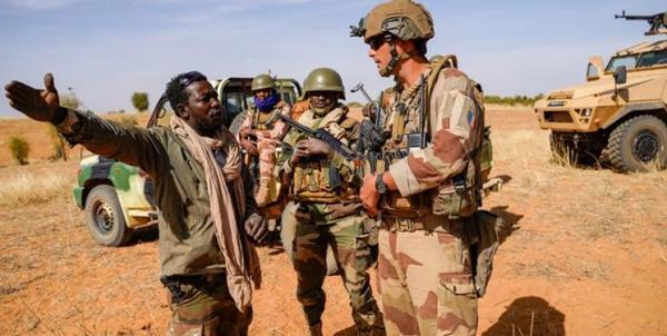 فرانسه عملیات نظامی مشترک با اقتصادی را تعلیق کرد