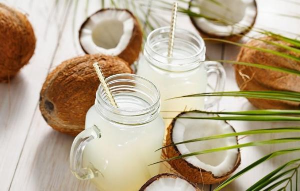 8 خاصیت علمی آب نارگیل که سلامت بدن و پوست را افزایش می دهند